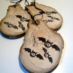 3 Wooden Halloween Decor Gift Tags Ornament Favor Bats
